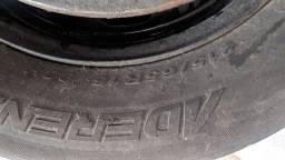 Aro 16 com pneus Duster