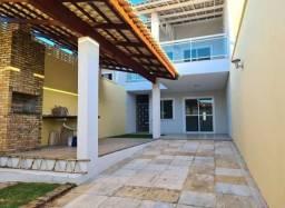 Casa duplex de alto padrão na Maraponga
