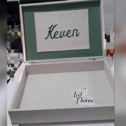 Título do anúncio: Caixas Maternidade e lembranças forrada em linho