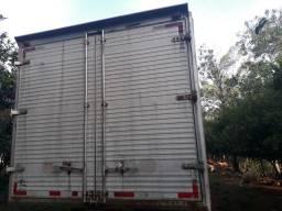Furgão baú alumínio R$ 6.000,00 - 2012