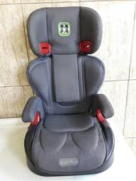 Cadeirinha para transporte de crianças de 15 a 36 Kg, da marca Burigotto, modelo protege