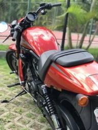 Harley Davidson Night Rod personalizada impecável - 2013
