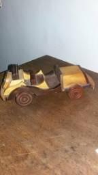 Carrinho de madeira antigo