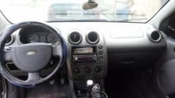 Fiesta preto 1.0 $10,000 - 2005