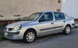 Vendo Clio Sedan Prata