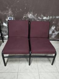 Vendo mesas pra escritório, cadeiras fixa e com rodas e cadeiras de espera.