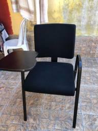 Vendo cadeira com braço ( nova ) nunc usada