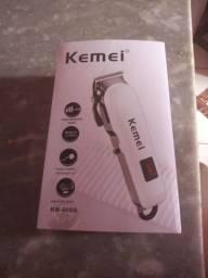 Máquina de cortar cabelo kemei nova