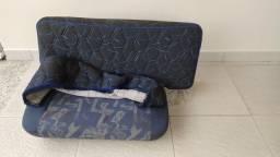 Banco sofá cama passageiro VW Titan.