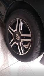 Título do anúncio: Troco roda 15, pego roda de ferro 14 ou 15 com diferença