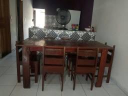 Mesa com 6 cardeiras