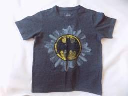 Blusa Infantil Estampada emblema do batmam na cidade Tamanho 8