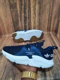 Título do anúncio: Tênis Adidas Off White Azul