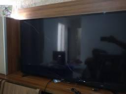 TV smart Tela Quebrada vendo pra retirar peça