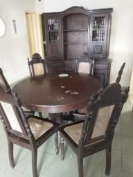Arca de Madeira com mesa e 6 Cadeiras