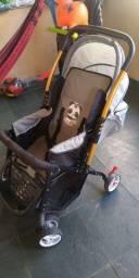 Carrinho bebê semi-novo