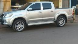 R$75.000,00Hilux completa - 2013