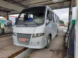 Vendo um micro ônibus v8 volaren  carro único dono