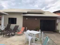 Linda casa com 4 dormitórios e piscina no Perequê em Porto Belo - Cód 12C