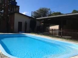 Linda casa (estilo chácara ) com piscina em Benevides