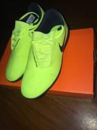Chuteira Nike Phantom