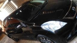 Nissan Versa 1;6 S 2012