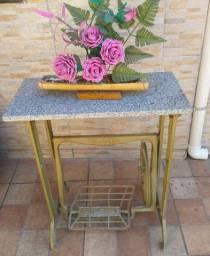 Mesa de pé de máquina de costura