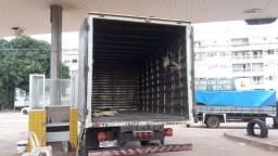 Vendo caminhão baú quitado