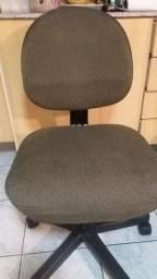 Cadeira escritório sem apoio