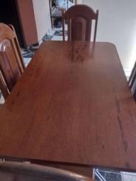 Mesa de Angelim, Madeira de Lei, 4 cadeiras.  480,00