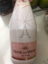 Champagne veuve du vernay