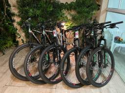 Vendo bike Gts m1 novas