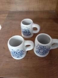 Mini canecas de porcelana