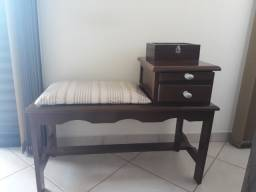 Mesa com assento antiguidade