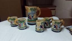 Conjunto de Jarra com 5 canecas de porcelana japonesa