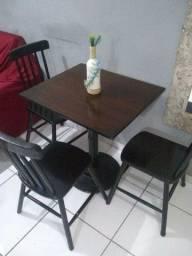 Masa com 3 cadeira