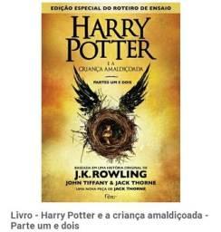 Título do anúncio: Livro Harry Potter e a criança amaldiçoada parti 1 e 2
