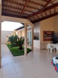 Título do anúncio: excelente casa no bairro Califórnia em Patos de Minas/MG