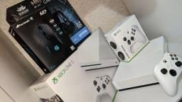 Xbox one S 1TB vai com 2 brinde