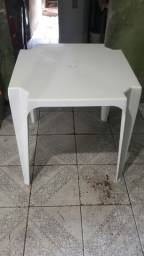 Mesa com 4 cadeiras semi novas