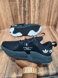 Título do anúncio: Tênis Adidas Off White Black