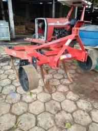 Implementos agrícolas novos e usados