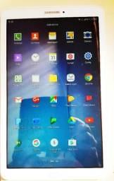 Tablet seminovo Samsung 8 pol com internet 3 G ,wifi -qq- chip e operadora - Aceito troca