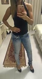 2 calças colcci por R$ 120,00