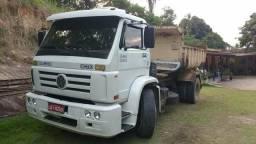 Caminhão caçamba - 2003