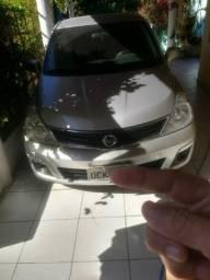 Nissan Tiida sedan 2012 completo, 11.000,00 para assumir parcelas - 2012