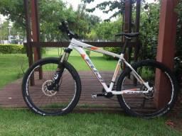 Bicicleta Fuji Tahoe 1.3 - aro 27,5- 20v - Tam 19