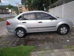 Vende se Fiesta sedan 2005 - 2005
