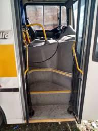 Vendo ônibus revisado