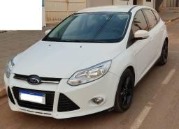 Novo Ford Focus Hatch Flex 1.6 SE 2014